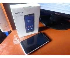 Sony E4 3G Claro 100 Operativo Regalo : Funda