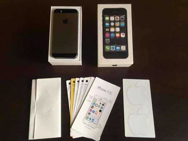 Vendo Iphone 5s 16Gb Con Caja y Manuales, Libre y operativo.