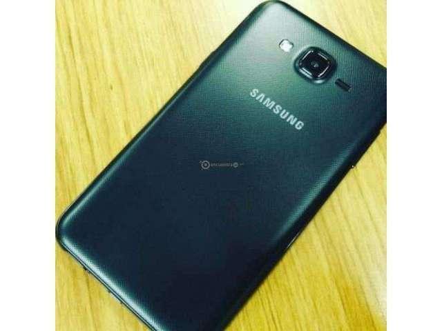 Samsung Galaxy j 7 Neo