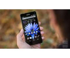 Vendo mi celular Sony Xperia Z3 Compact 4G LTE Libre,Camara de 20.7MPX,2GB RAM,16GBi,procesador...