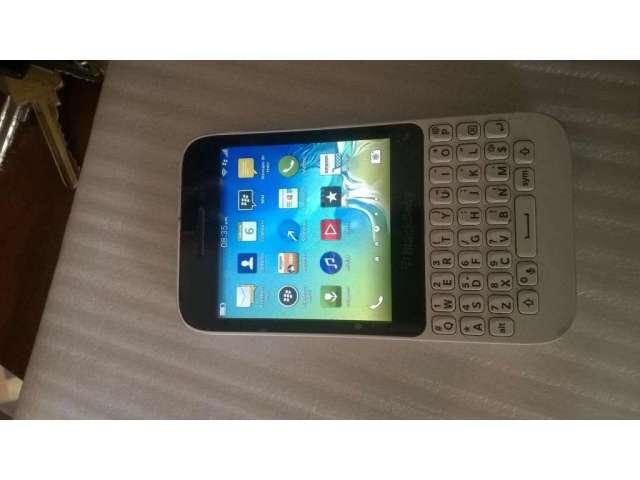 celular blackberry Q5