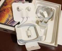 Accesorios iPhone Original Cargador y Earpods