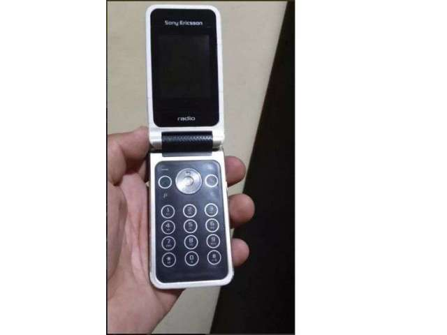 Celular Sony Ericsson R306a Radio AM FM liberado
